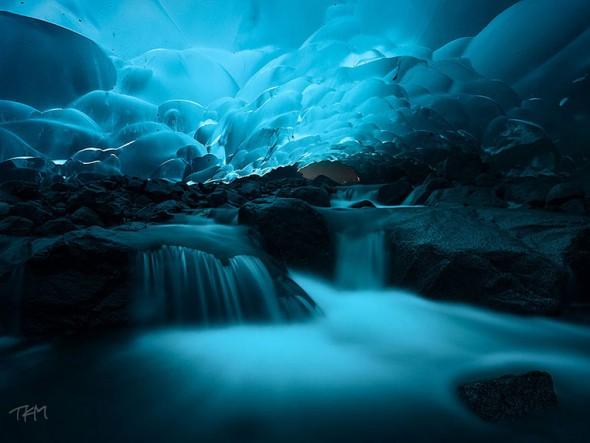 Mendenhall Ice Caves – Alaska