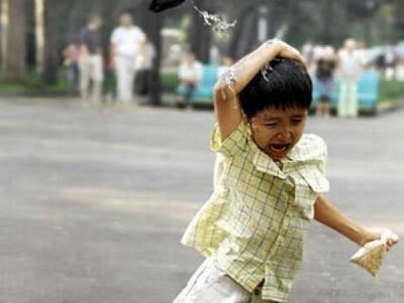 bird-poops-on-unfortunate-child