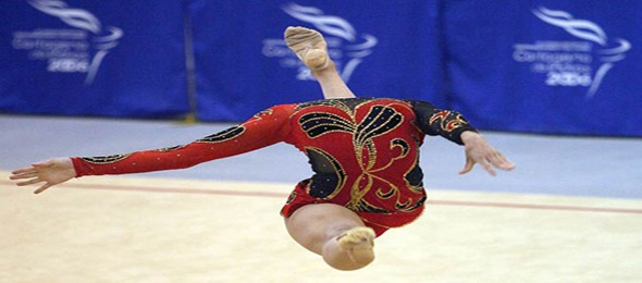 headless-gymnast-perfect-timing-resizecrop