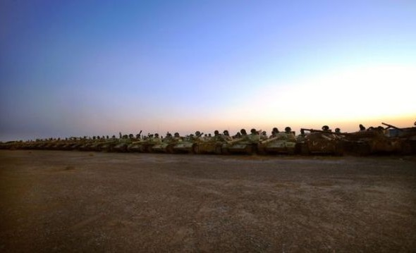a_mass_graveyard_of_tanks_in_kuwait_640_04