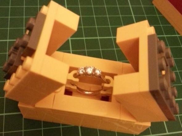 a_nerdy_engagement_proposal_thats_pretty_cute_640_04