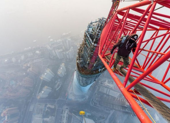 human_beings_doing_extraordinary_things_640_10 tallest building