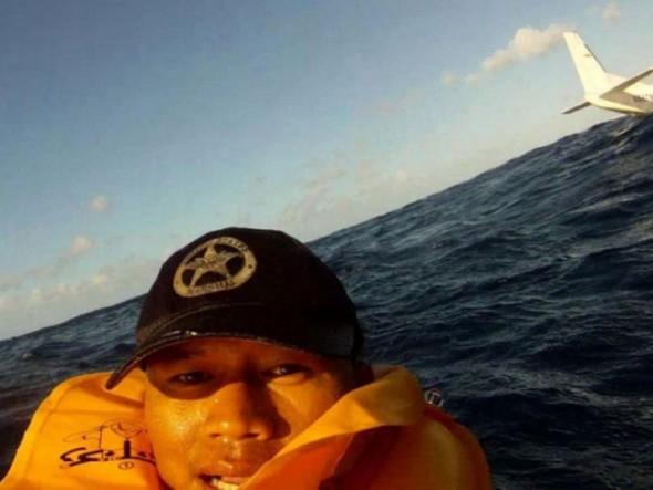 human_beings_doing_extraordinary_things_640_17 selfie horror