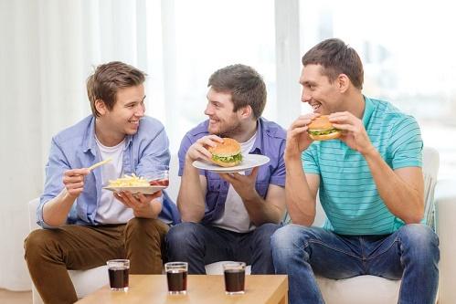 6. Nista protiv muškog druženja