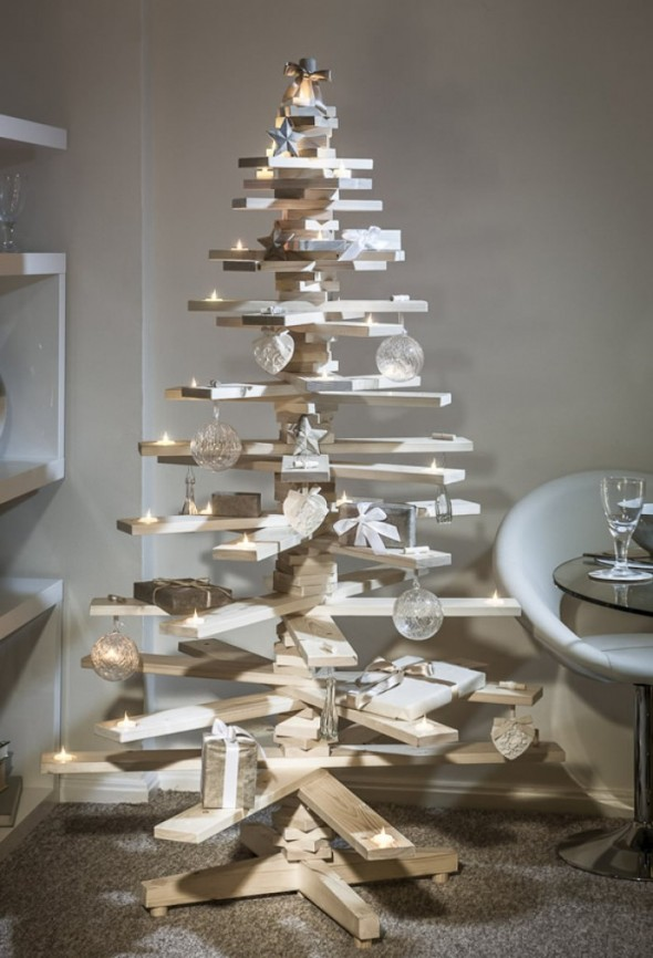 #16 Wooden Boards Christmas Tree
