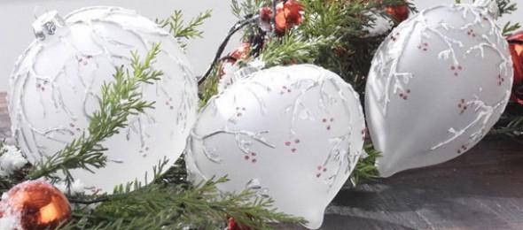 2014-RAZ-Aspen-Sweater-Christmas-Decorating-Ideas_004