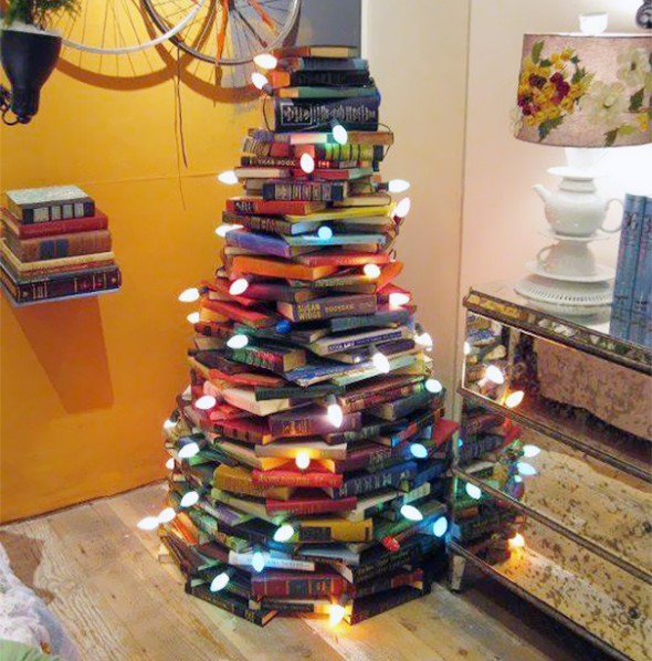 #23 Stacked Books Christmas Tree