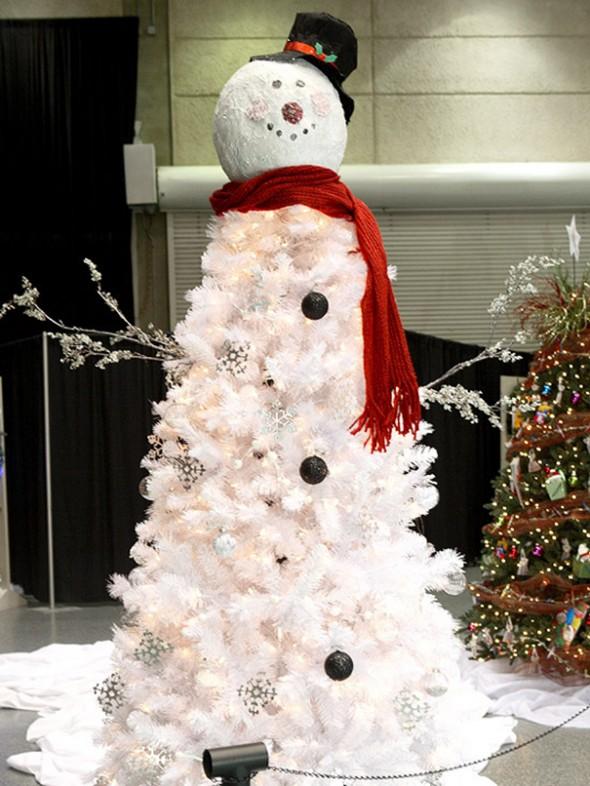 #46 Snow Man Christmas Tree