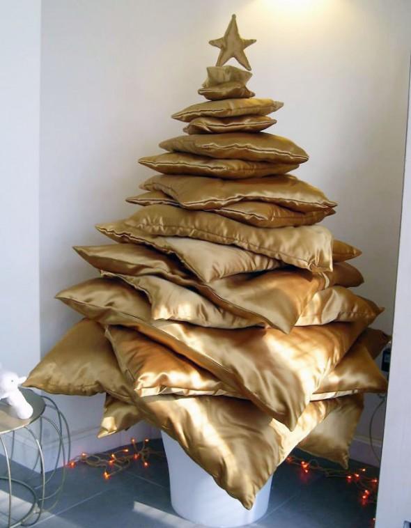 #59 Pillow Christmas Tree