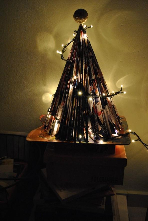 #77 Magazine Christmas Tree!!