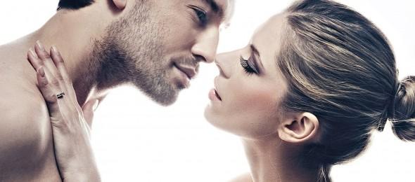 muskarac-zena-ljubljnje-poljubac-dobro-je-znati-radio-pingvin