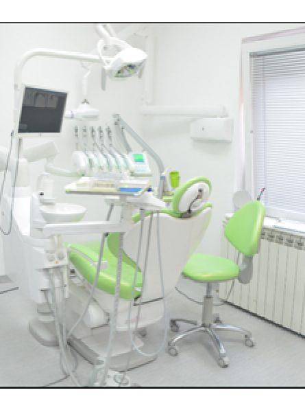 Prirodno izbeljivanje zuba aktivnim ugljem