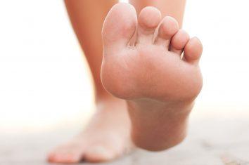 U ljudskom stopalu ima 26 kostiju